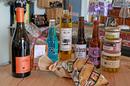 Epicerie fine Codognan  dans le magasin Au 429 idées qui vend des vins et des produits régionaux (® SAAM-Fabrice Chort)