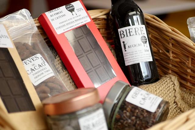 Cacaoterie Marius annonce une nouvelle tablette de chocolat dans sa boutique de Nîmes.