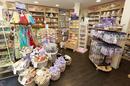 La boutique Les Secrets de Louise Nîmes vend des savons, des soins, des idées-cadeaux sur le thème de la Provence (® SAAM-F.Chort)