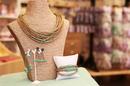 Les Secrets de Louise Nîmes vend de nombreuses idées-cadeaux en centre-ville. (® SAAM-fabrice Chort)