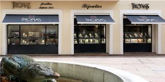 Thomas Joaillier Nîmes Bijouterie en centre-ville propose des bijoux, de la joaillerie, des montres ainsi qu'un service de création et de réparation(® SAAM-fabrice cHort)