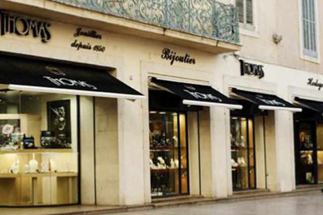 Bijouterie Thomas Nîmes propose de nombreuses idées-cadeaux pour la Saint Valentin dans sa bijouterie de centre-ville.(® lordsofwatch.com)